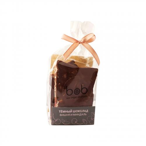 Шоколад темный с вишней и лепестками миндаля 100гр (Bob)